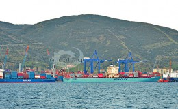 containers_terminal_ships_nautiliagr_vessels